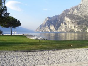 spiaggia riva alto garda holiday apartments